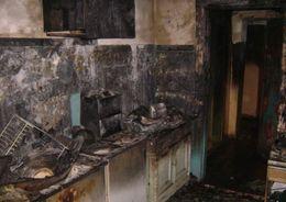 Мужчину спасли из горящей квартиры на Парашютной