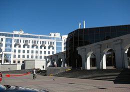 У станции «Крестовский остров» отремонтируют стилобат