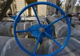 В двух районах Петербурга проводят испытание теплосетей