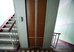 В Купчино отремонтировали 369 лифтов