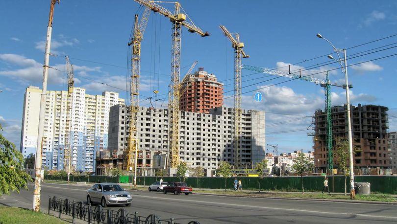 Медведев: Четверть россиян живут в новых домах
