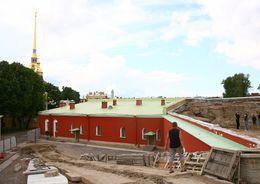 Работы на Меншиковом бастионе выполнят «Краски Города»