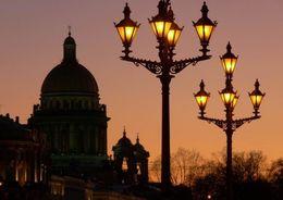 Петербург станет центром световой культуры
