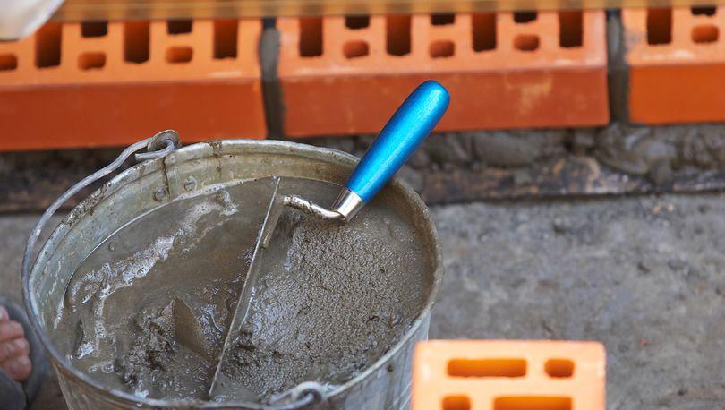 Производство стройматериалов  для капстроительства  снижается
