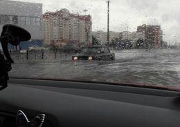 Петербургские улицы затопило