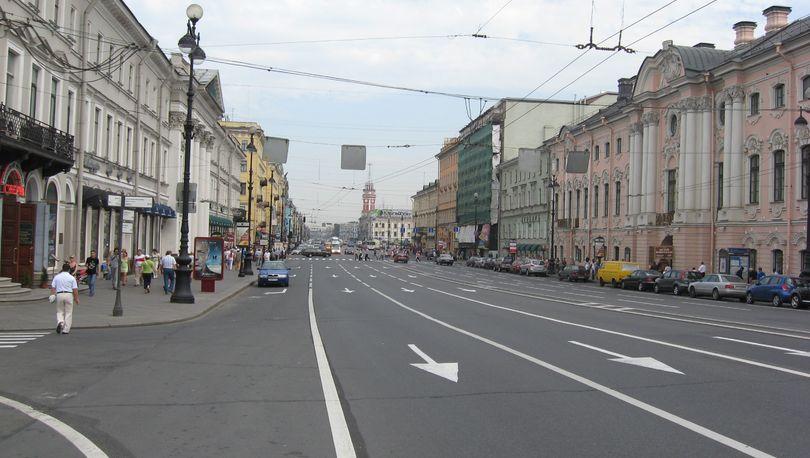 Ставки аренды под магазины на Невском достигают 15 тыс. за «квадрат»