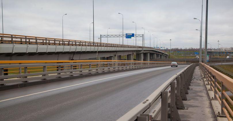Подрядчикам дороги М-11 обещают платить