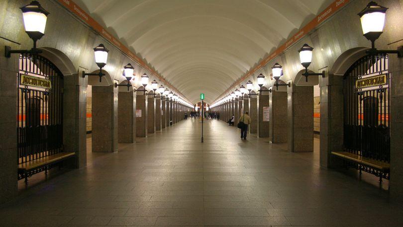 Мониторить петербургское метро будут москвичи
