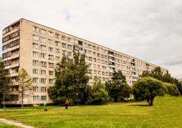 Подрядчики приступили к капремонту фасадов домов первой массовой серии