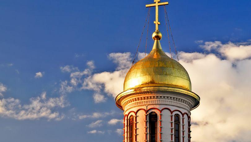 В Петергофе построят храм