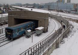 В Петербурге ремонтируют наземное метро