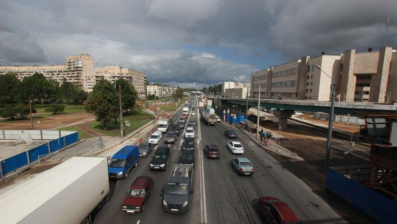 На Пискаревском проспекте с понедельника начнется дорожный ремонт