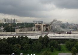 В Невском районе загорелся расселенный дом