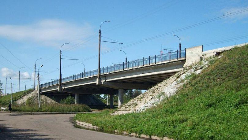 Путепровод на трассе М-10 «Россия» отремонтируют за 33 млн рублей