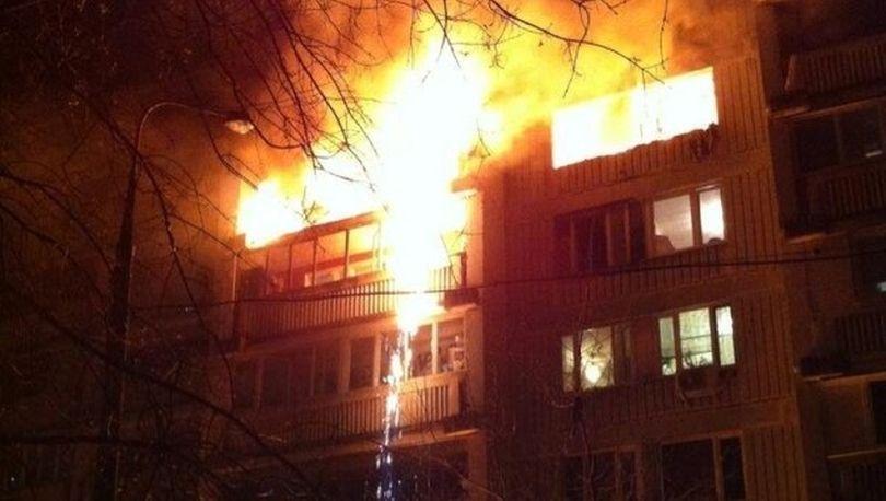 25 человек эвакуировали из жилого дома из-за пожара