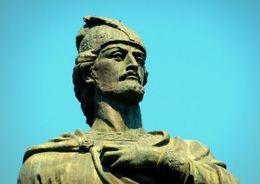 Зураб Церетели  подарил Петербургу памятник Шоте Руставели