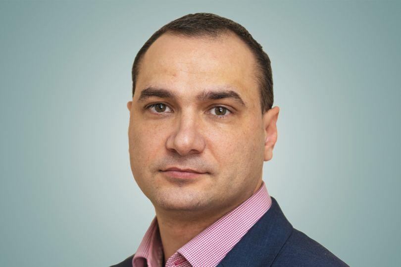 Игорь Тихонов