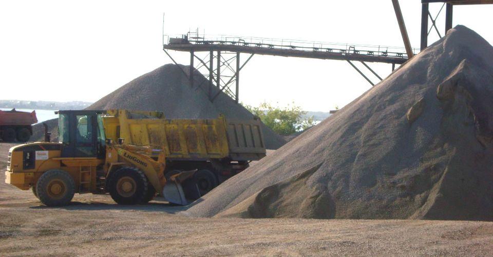 Осуществляем поставки гранитного щебня по киеву и киевской области